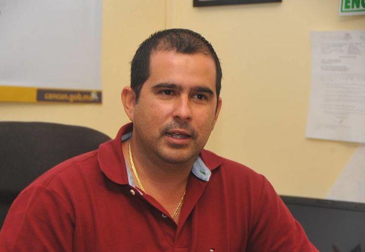 Aguilar Osorio dijo que renunciaría a su cargo el próximo 15 de marzo.  (cancunlivetv.blogspot.com)