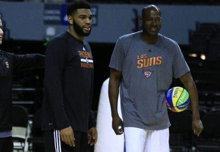 Suns de Phoenix entrenan previo a su partido de esta noche en México contra Mavericks de Dallas en partido de la temporada regular. Los Suns fueron víctimas de un robo. (Foto tomada de Imago7.com)