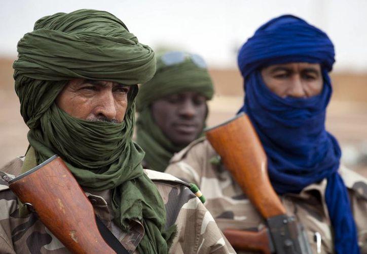 Rebeldes islámicos vigilan los accesos carreteros por todo el norte de Mali. (Agencias)