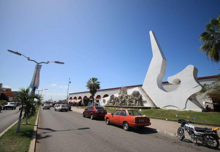 Chetumal es una ciudad segura, aseguró el alcalde Carlos Mario Villanueva Tenorio. (Enrique Mena/SIPSE)