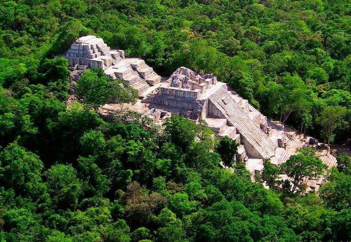 México tiene ya su primer 'Bien Mixto', es decir, un mismo lugar que es Patrimonio Cultural y Patrimonio Natural: Calakmul. La imagen corresponde a la zona arqueológica que se ganó el nombramiento en 2002. (INAH)