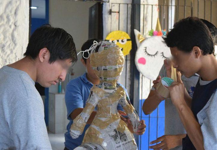 El Centro Recreativo y Laboral La Ceiba atiende a 126 alumnos en diversos talleres (Foto: Novedades Yucatán)