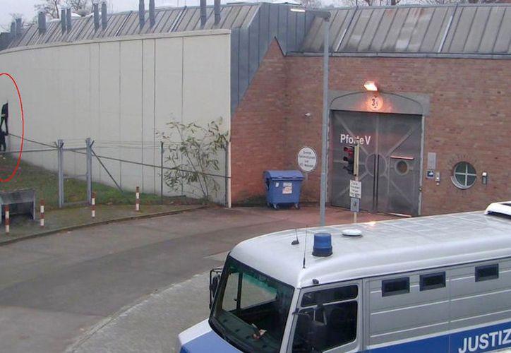 Cuatro presos alemanes lograron escapar de prisión por un agujero de sólo 30 centímetros de ancho. (Foto: Él Tiempo)
