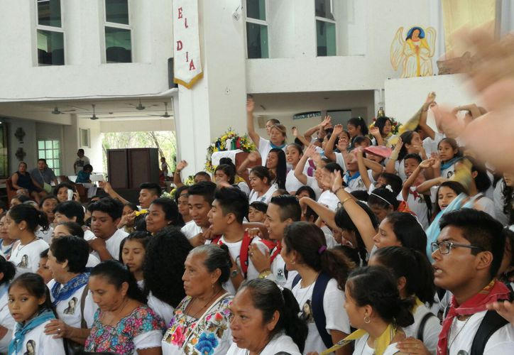 Muchos jóvenes salieron a misionar hacia las comunidades. (Jesús Tijerina/SIPSE)