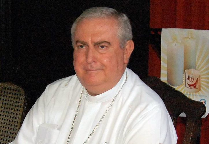 El arzobispo Emilio Carlos Berlie Belaunzarán bendijo que quienes realizan la labor de ser catequistas. (Milenio Novedades)