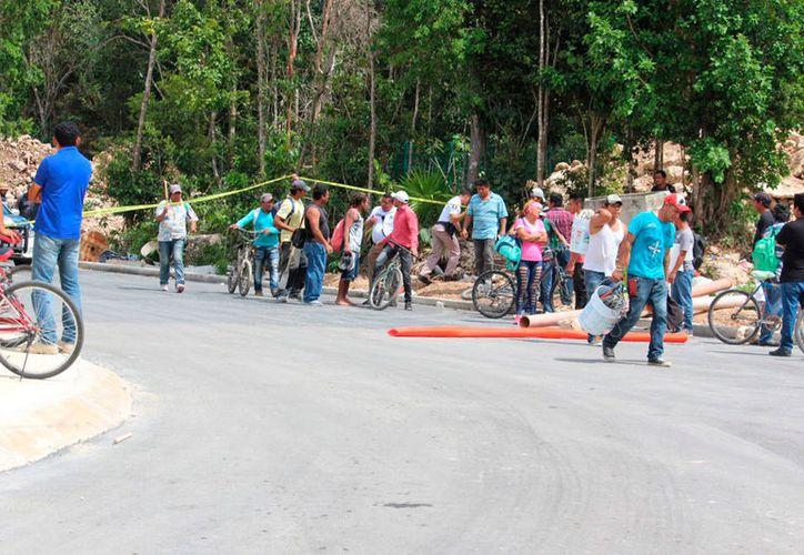 El accidente causó asombro entre los trabajadores de la construcción. (Redacción/SIPSE)