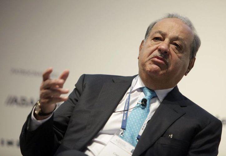 Carlos Slim asegura que el conocimiento y la experiencia de los empleados es mayor 'después de los 60 años'. (Archivo/EFE)