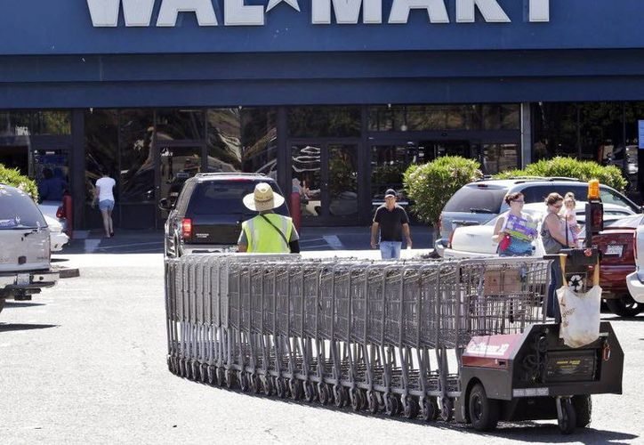 Banco Walmart es una institución de los llamados bancos-tienda. (Milenio)