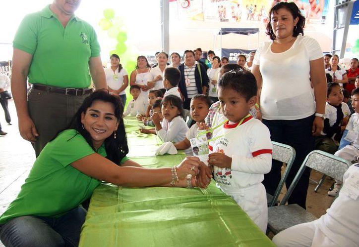 La presidenta del DIF Sarita Blancarte de Zapata. (Milenio Novedades)