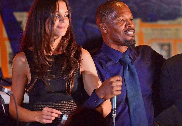 El noviazgo entre Katie Holmes y Jamie Foxx fue confirmado por una amiga de ambos. (Imagen tomada de www.eonline.com)