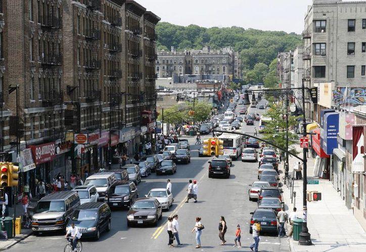 Las autoridades de NY formularon cargos contra dos bandas de hispanos que operaban en el barrio de Washington Heights -en la imagen- habitado por inmigrantes dominicanos. (nypost.com)