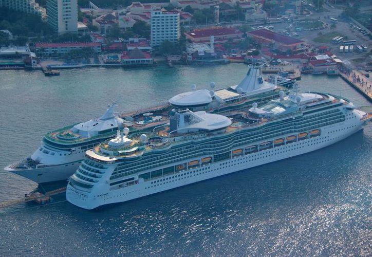 La Apiqroo anunció la llegada de 32 cruceros a Cozumel durante la próxima semana. (Gustavo Villegas/SIPSE)