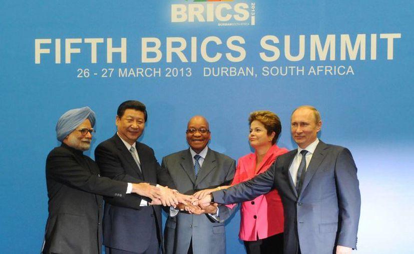 Los líderes de BRICS durante la conferencia del 2013 del grupo en Durban, Sudáfrica. (Agencias)