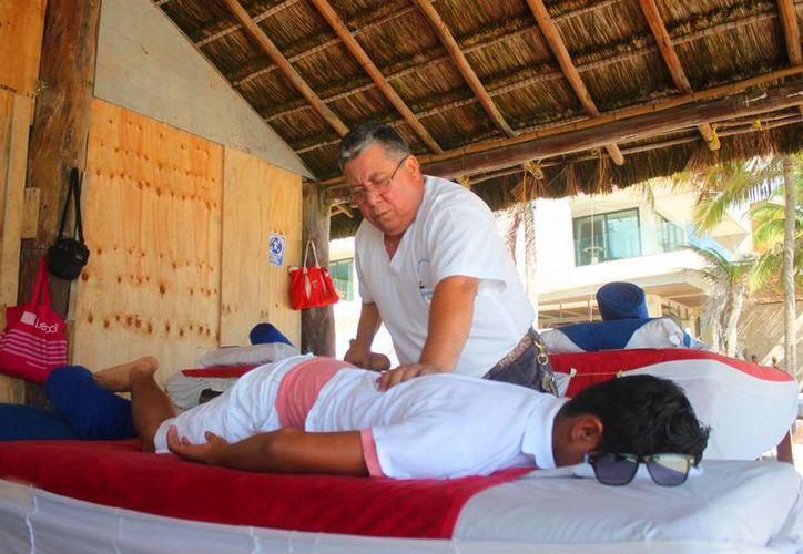 Los ingegrantes de la Asociación de Spas acusan que han proliferado los masajistas sin certificación en Playa del Carmen. (Daniel Pacheco/SIPSE)