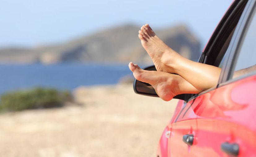 Recuerda mantener informado a tus familiares y amigos sobre tu destino y rutas a tomar. (Foto: contexto)