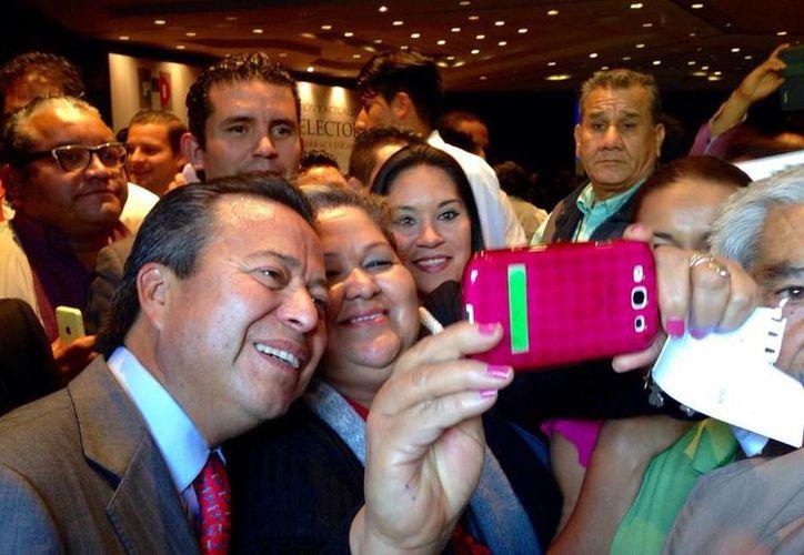 César Camacho deslindó al PRI de las actividades delictivas en las que se involucra al ex gobernador de Michoacán, Fausto Vallejo. (Facebook/César Camacho)
