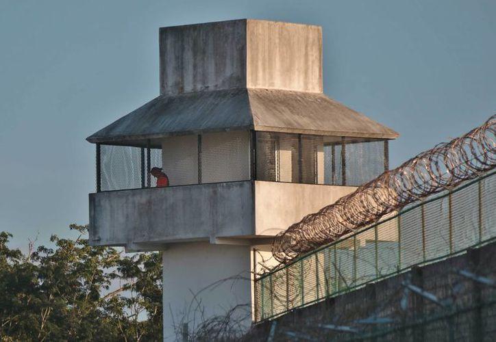 La Comisión de los Derechos Humanos del Estado de Quintana Roo investiga la salida de cinco reos del penal de Cozumel. (Gustavo Villegas/SIPSE)