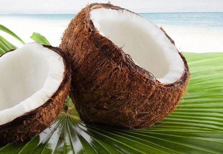 Se debe conocer los daños de alimentos como el agua de coco. (Contexto/ SIPSE)