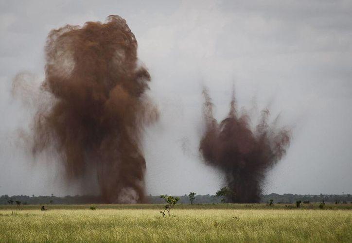 La semana pasada fueron destruidas tres pistas de aterrizaje en el departamento de Colón, en el Caribe hondureño, por donde transita cerca del 80 % de la droga que llega a México desde Suramérica con destino a EU (EFE/Archivo)