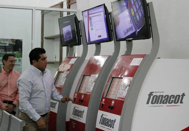 Las Unidades de Trámites y Servicios (UTYS) del Instituto del Fondo Nacional para el Consumo de los Trabajadores (Fonacot) realizan operaciones de manera rápida y sencilla para evitar las filas y la larga espera en ventanilla. (Milenio Novedades)