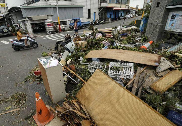El tifón Nepartak causó graves pérdidas materiales por daños en infraestructura, edificios y explotaciones agrícolas en Taiwán. (EFE)