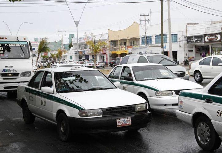 Con este caso ya son tres choferes de taxi dados de baja. (Tomás Álvarez/SIPSE)