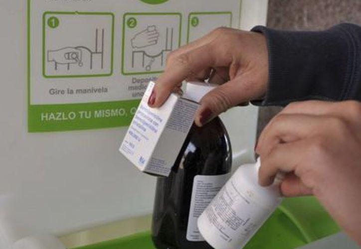 Los contenedores que están disponibles en las Farmacias YZA, Del Ahorro, Fama y Bazar. (Foto de Contexto/Internet)