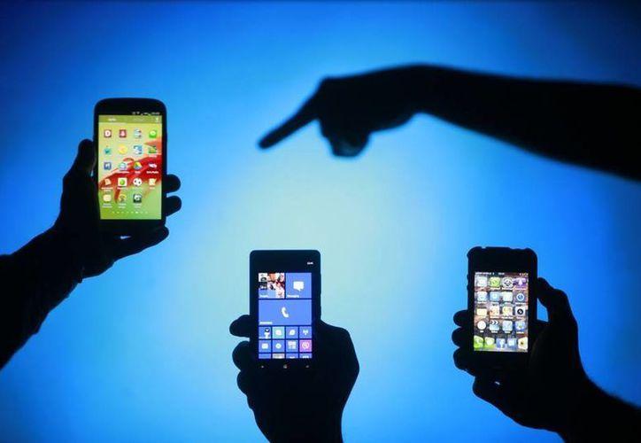 Personas desconocidas pueden rastrar tu perfil de Facebook si conocen tu número de celular. (www.mundotkm.com)