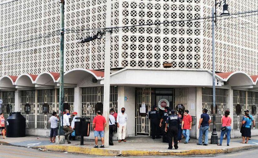 Regular afluencia en Monte de Piedad. (Archivo/Novedades Yucatán)