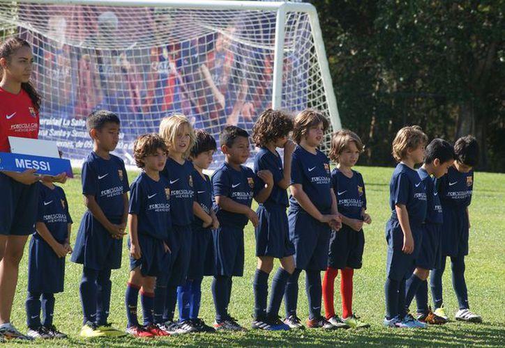 En su primera semana, más de 50 niños acudieron al Campamento catalán. (Ángel Villegas/SIPSE)