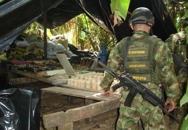 El material decomisado iba a ser usado en ataques a puentes y torres de transmisión de electricidad. (blogspot.mx)