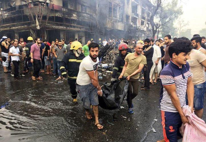 La cifra de muertos por un ataque contra un santuario chií al norte de Bagdad subió a 37 personas, con 62 heridos. (AP)