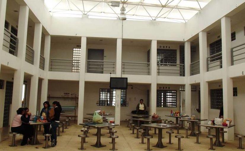 Como cada año, personal de la Codhey revisó los penales yucatecos. Los resultados se darán a conocer una vez que finalice la revisión en todos los centros penitenciarios de México. (Fotos cortesía del Gobierno de Yucatán)