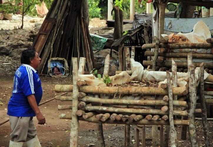 En comisarías del interior del Estado hay familias que viven en condiciones paupérrimas. (José Acosta/SIPSE)