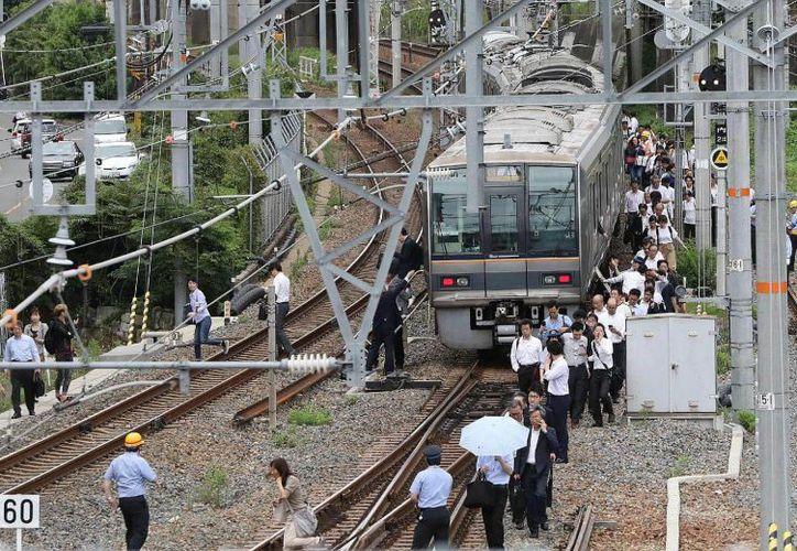 Se reportaron daños al sistema ferroviario. (Twitter)