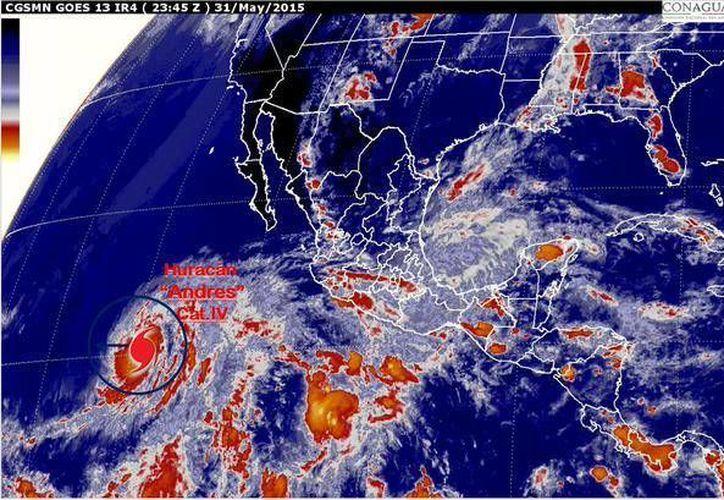 El huracán Andrés, ahora de categoría IV, continúa provocando lluvias en estado del occidente de México. (Conagua)