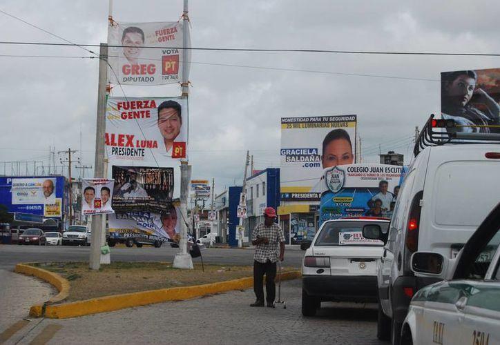 El material de las campañas políticas podrán dar trabajo temporal a mujeres de la zona maya. (Tomás Álvarez/SIPSE)