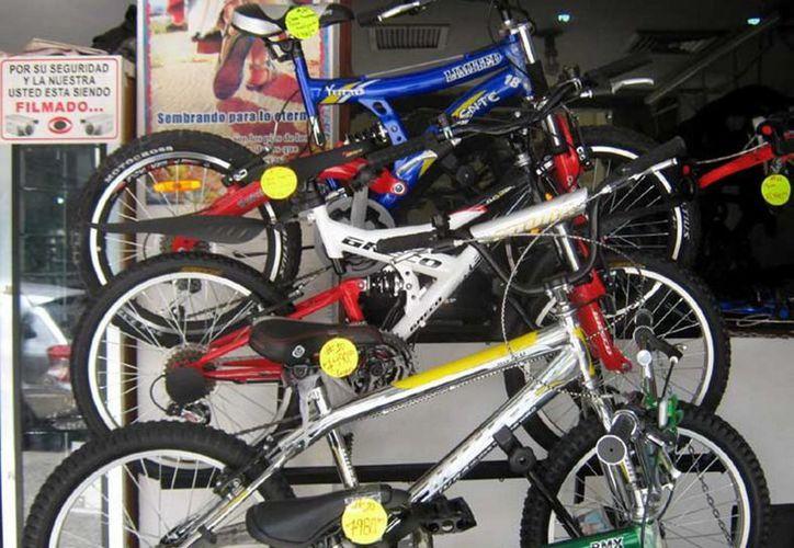 Las bicicletas de alta gama que se ofertan en Venezuela cuestan ahora un 50 por ciento más que en 2013. (Notimex)