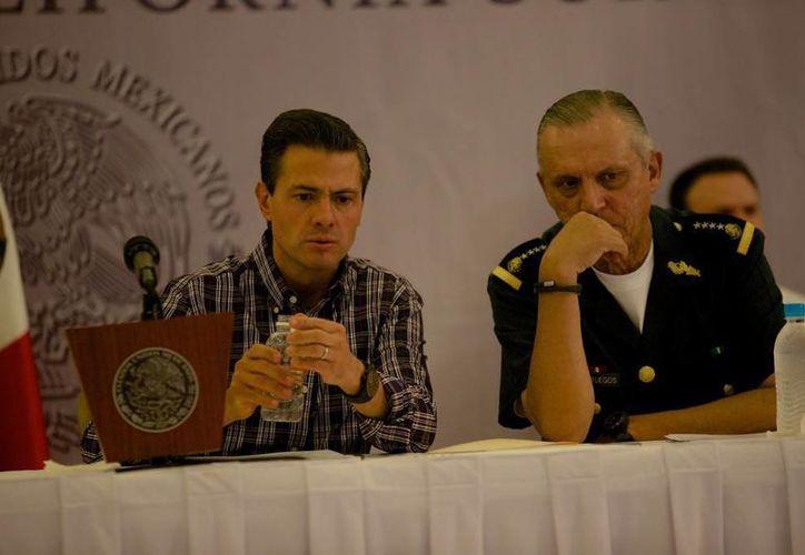 Peña Nieto dijo que serán los ciudanos de Baja California quienes evalúen las labores de reconstrucción de la zona impactada por el huracán Odile. (Presidencia)