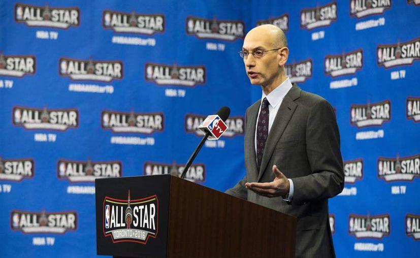 El comisionado de la NBA, Adam Silver, durante una conferencia este sábado en Toronto. (AP)