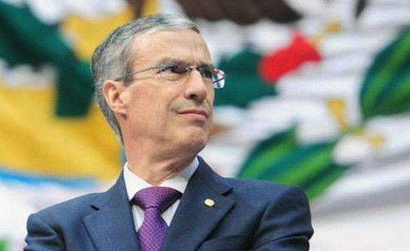 González Morfín dijo que el INE ayudará a consolidar la democracia de México. (Milenio)