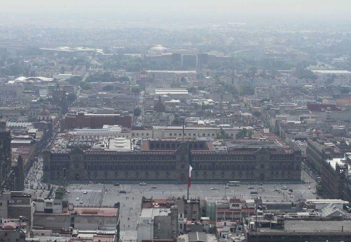 Las autoridades de la Ciudad de México insistirán en pedir recursos al gobierno federal para realizar cambios al sistema de transporte de la capital. (Notimex)