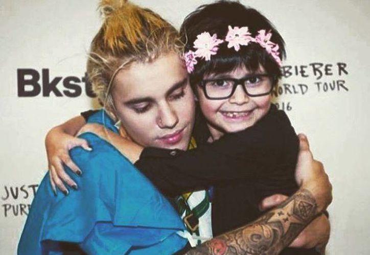 Justin Bieber anunció que ya nunca más se tomará fotos con sus fans por sentirse como 'animal de zoológico'. (Facebook: Justin Bieber)