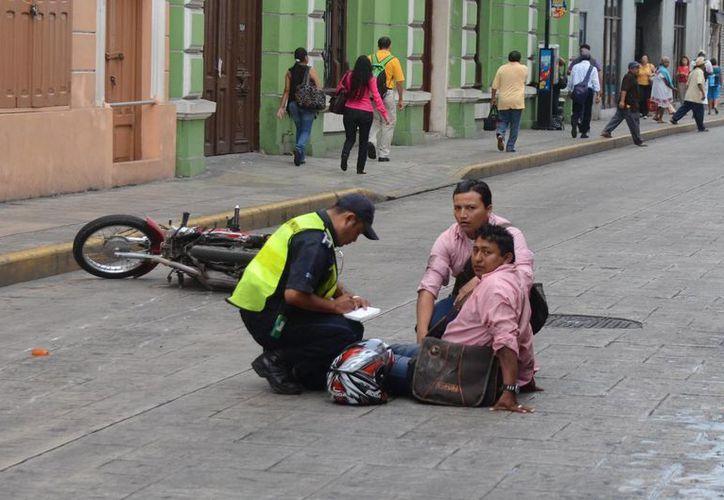 La Policía de Mérida tomó conocimiento del céntrico percance vial. (Milenio Novedades)