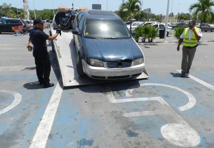 Se prevén sanciones más rigurosas a los automovilistas que infrinjan  la ley. (Eric Galindo/SIPSE)