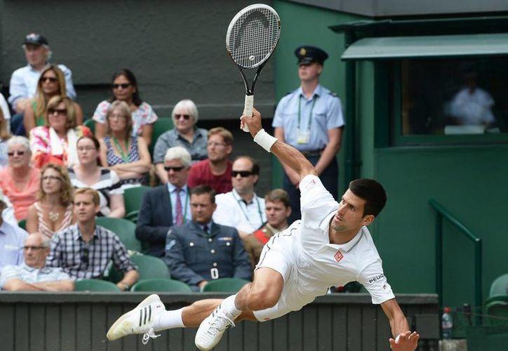 El tenista serbio Novak Djokovic se mantiene como líder absoluto del ranking de la ATP. (EFE/Archivo)