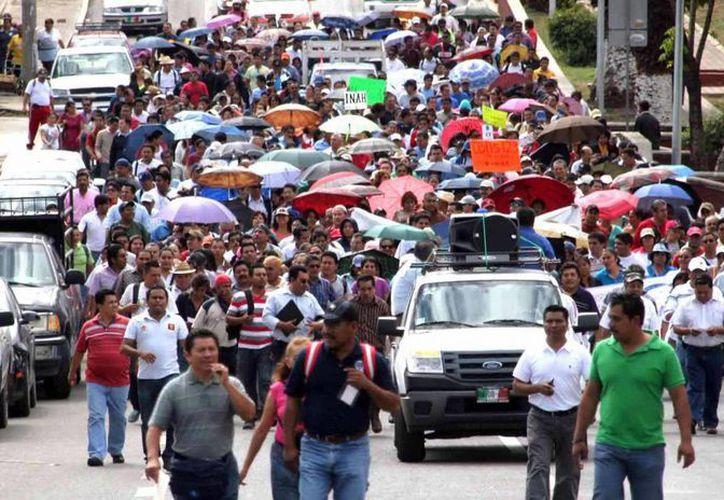 En su tercer día de movilizaciones, profesores de la Sección 22 del SNTE suspendieron clases en los más de 10 mil centros escolares. (Notimex)