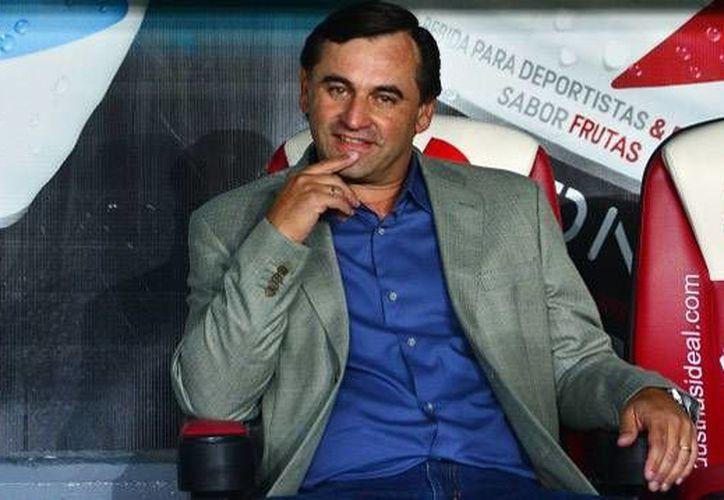Carlos Bustos fue despedido en momentos en que el Morelia todavía tenía muchas posibilidades de calificar a la liguilla mexicana. (vavel.com)