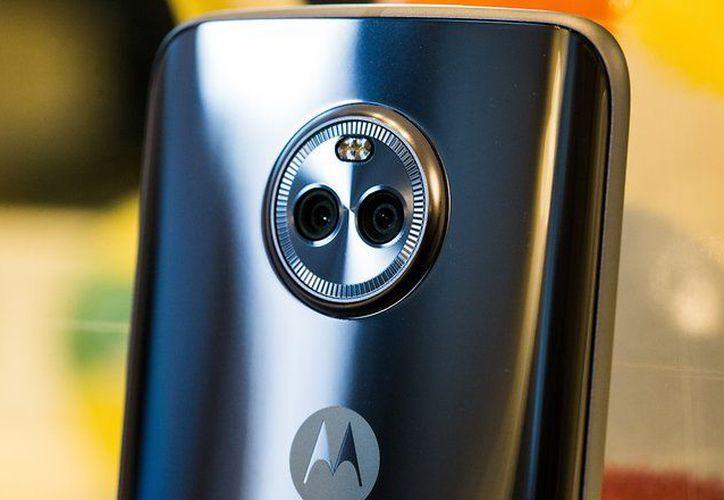 El sistema inteligente de cámara trasera del Moto X4, incluye dos sensores de 12 + 8 megapíxeles. (Foto: Contexto/Internet)