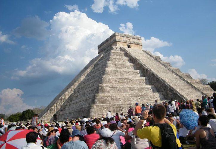 De octubre a noviembre pasados los principales sitios de interés, como Chichén Itzá, Mérida, Valladolid y Uxmal, reportaron 251 mil 227 turistas, un 18.8% más que en 2012. (SIPSE)